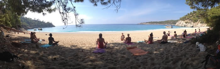 TURKEY_BEACH_YOGA